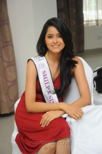 Singh as the new Miss Universe India 2012; Rautela Dethroned!
