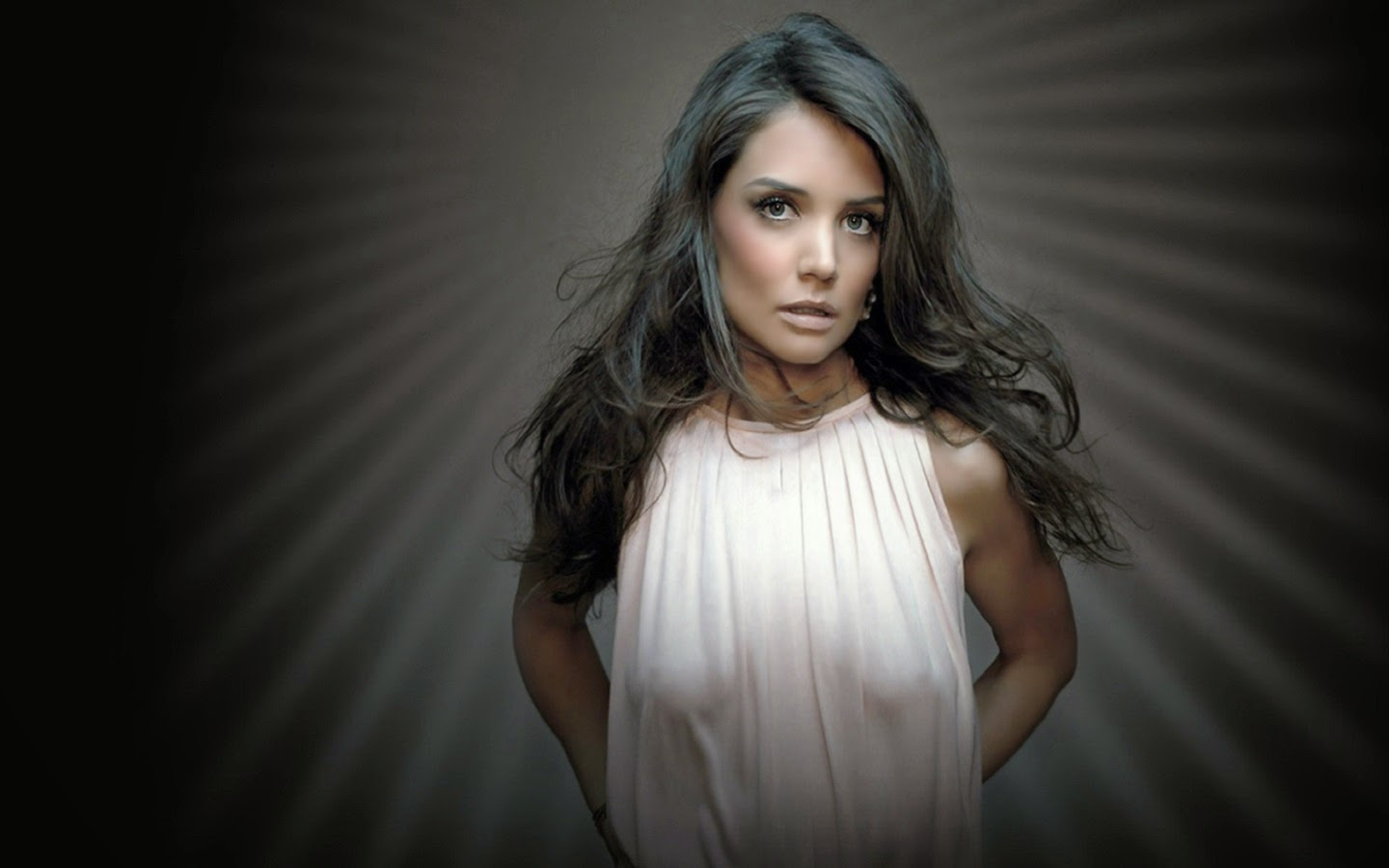KATIE HOLMES_WALLSTOWN_IN_HOLLYWOOD ACTRESS_HOLLYWOOD CELEBRITIES