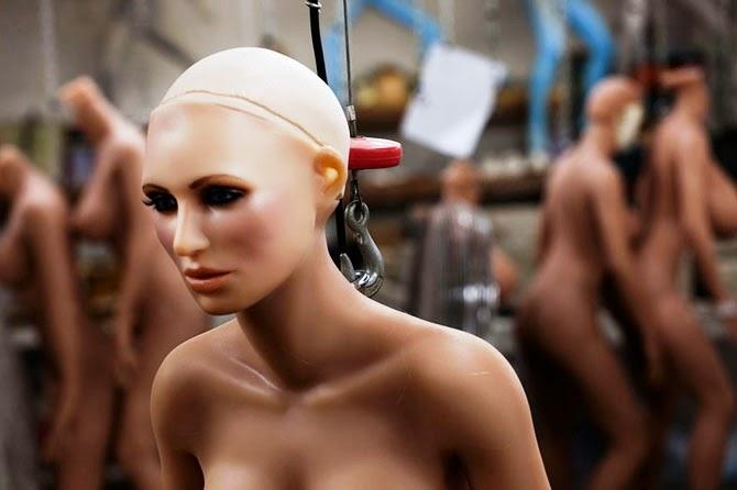 Мужчины, живущие с куклами