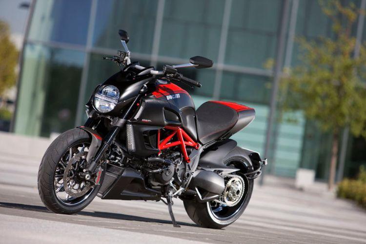 Estudando a ... Ducati India