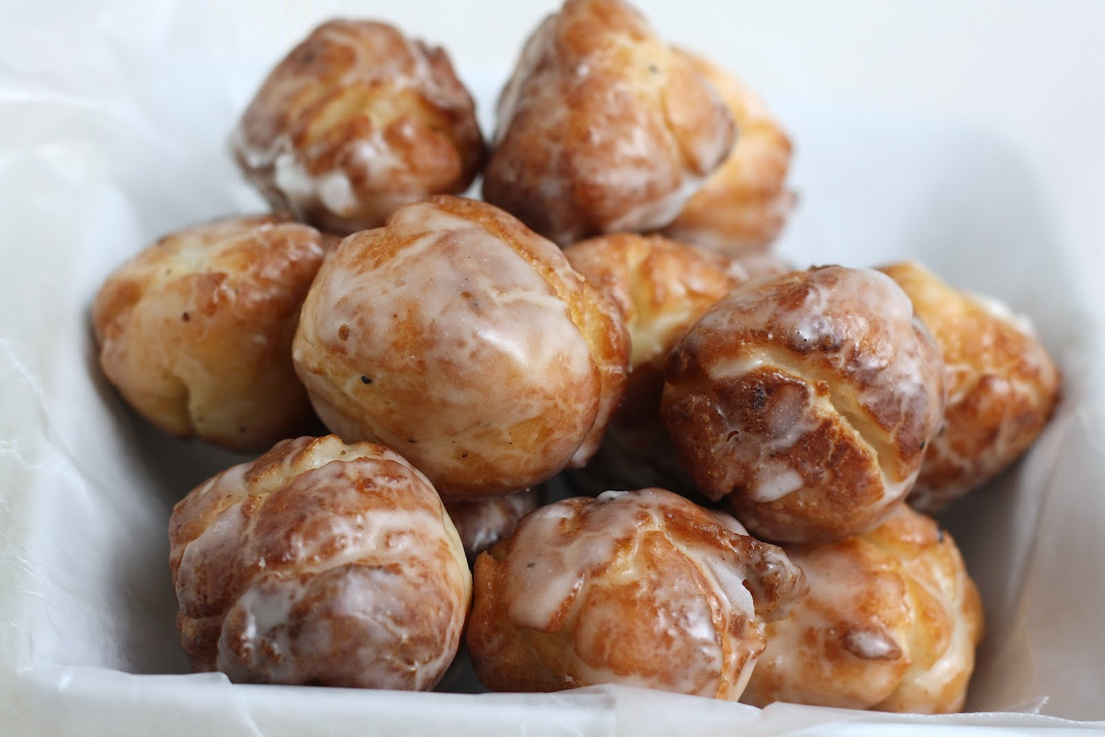 Old-Fashioned Sour Cream Donut Holes - hummingbird high || a desserts ...