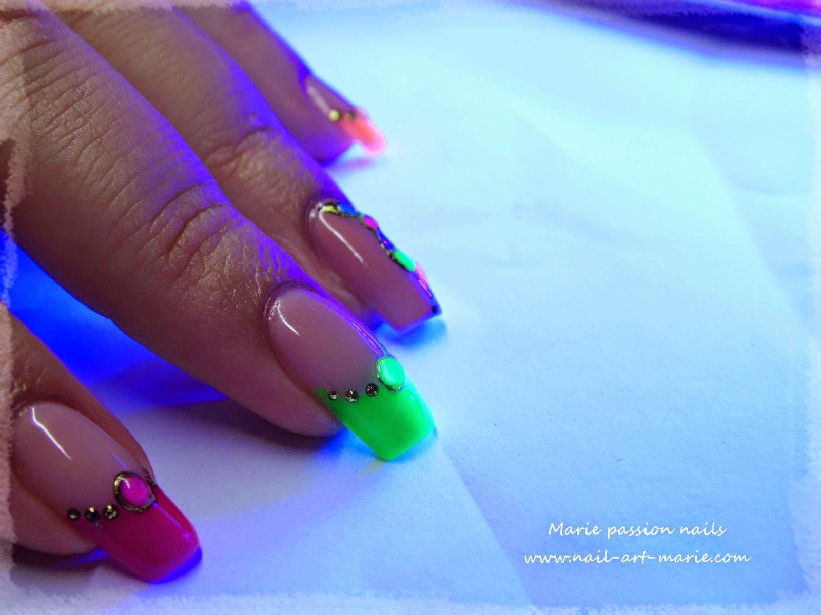 nail art fluo4