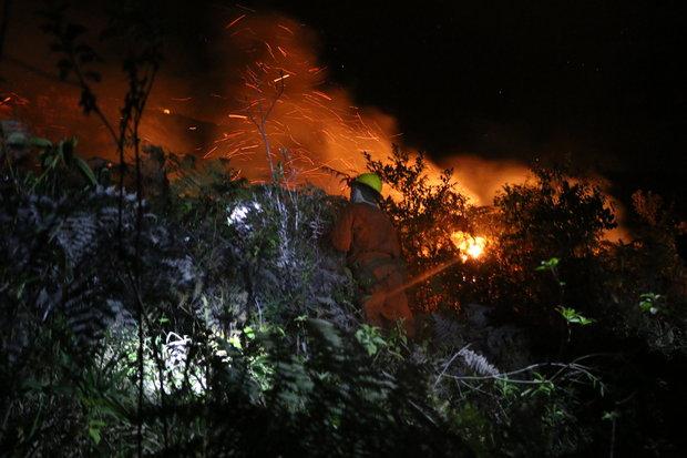 Combate ao incêndio continua (Foto: Tayne Luz/Jornal da Chapada)