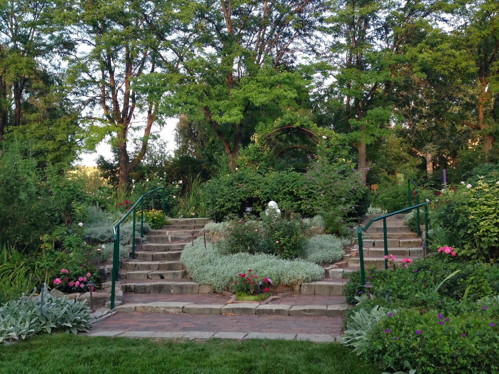 Idaho Botanical Gardens Shawna Lynn Style