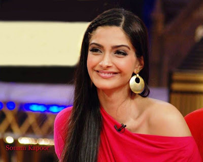 Sonam Kapoor Long Straight Hairstyle