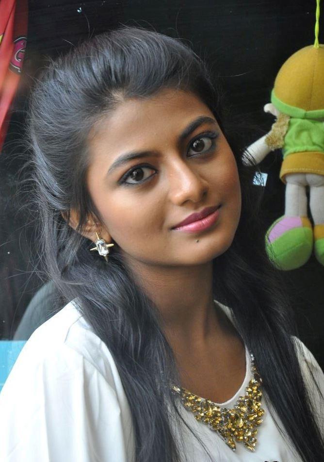Tamil actress wallpapers anandhi hd wallpapers - Tamil heroines hd wallpapers ...