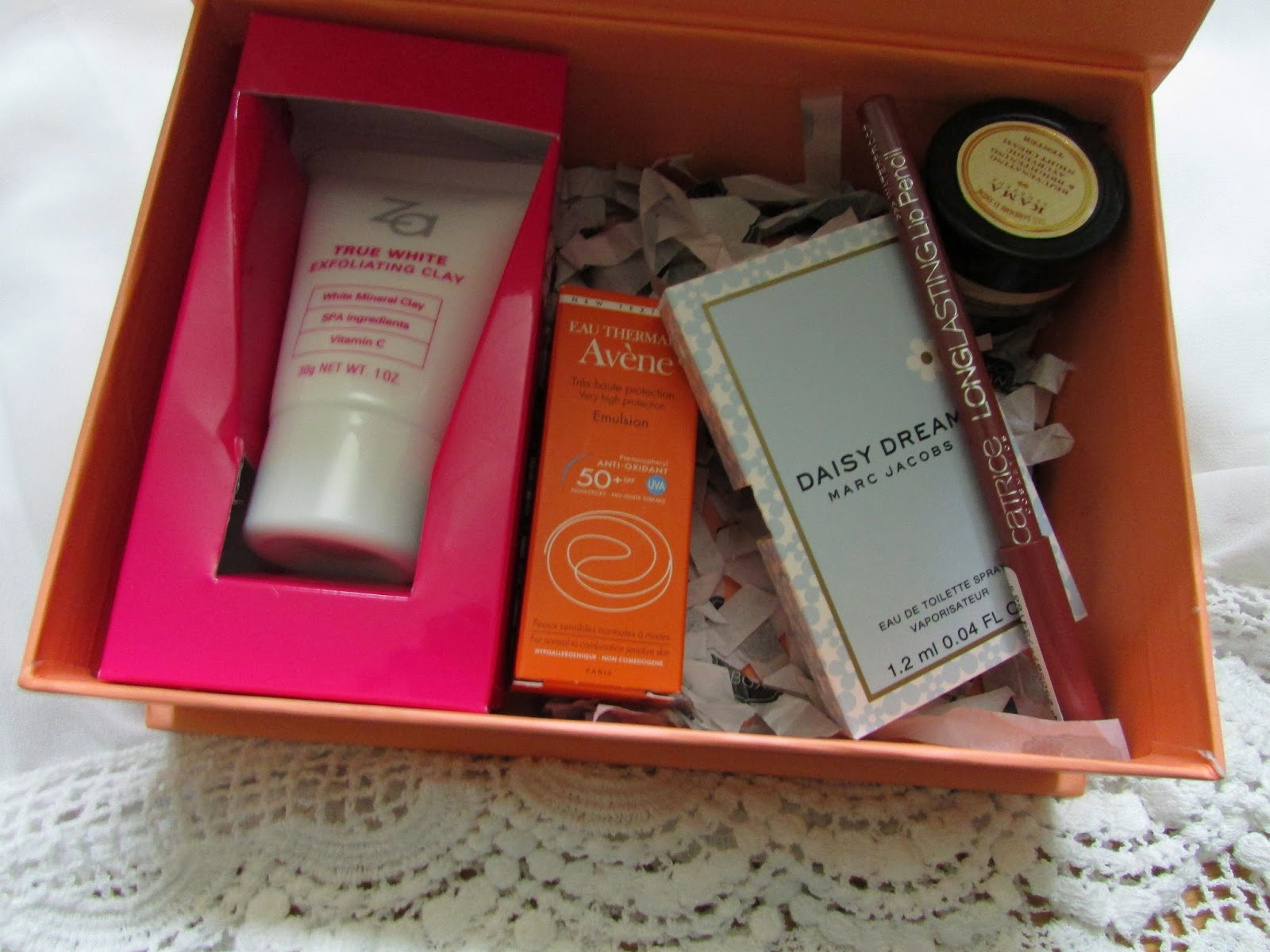 myenvybox, myenvybox india, myenvybox april, myenvybox price, myenvybox review, myenvybox unboxing,Catrice Longlasting Lip Pencil, KAMA Ayurveda Rejuvenating and Brightening Ayurvedic Night Cream, Daisy Dream by Marc Jacobs, Avene Sunscreen VHP SPF50+ Dry Touch Eulsion,ZA True White Exfoliating Clay,fashion,beauty and fashion,beauty blog, fashion blog , indian beauty blog,indian fashion blog, beauty and fashion blog, indian beauty and fashion blog, indian bloggers, indian beauty bloggers, indian fashion bloggers,indian bloggers online, top 10 indian bloggers, top indian bloggers,top 10 fashion bloggers, indian bloggers on blogspot,home remedies, how to