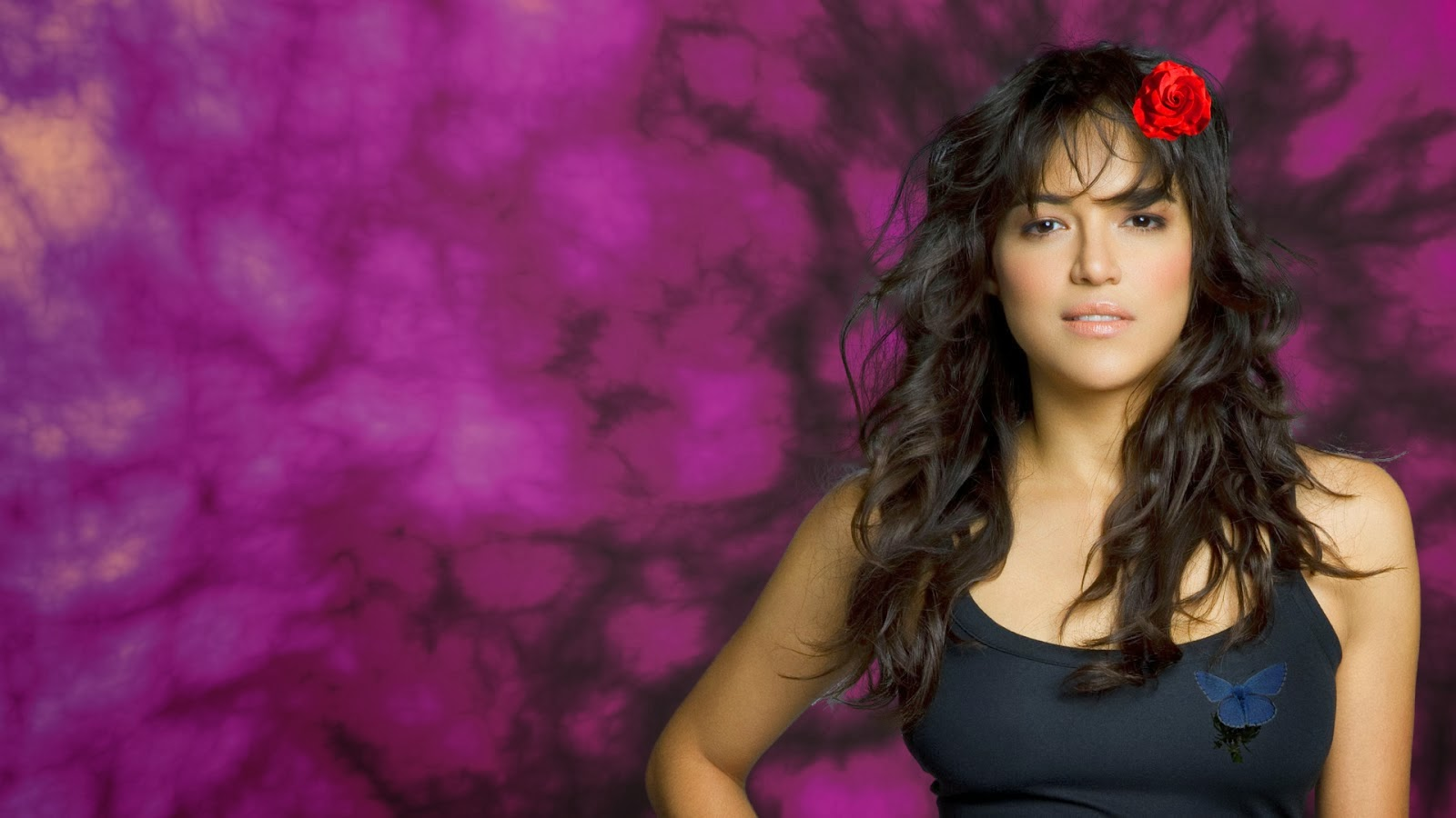 Michelle Rodriguez With Rose 18
