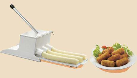 Krokettenmachine van het merk Millecroquettes om snel veel kroketten te spuiten van aardappelpuree