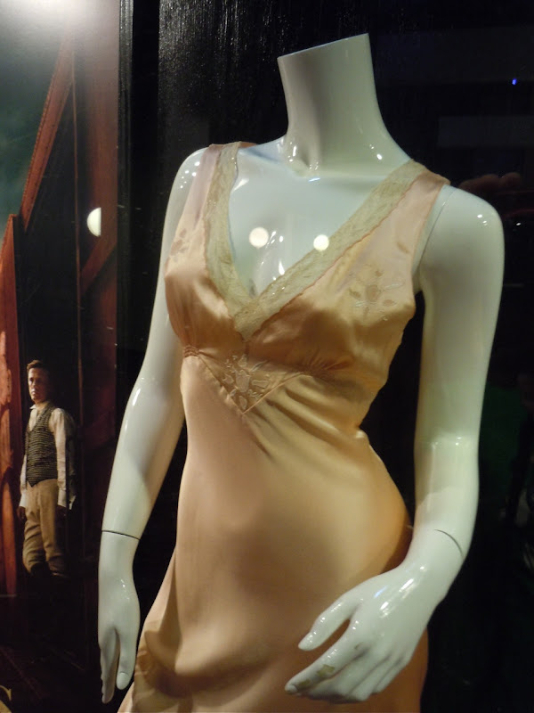 Water for Elephants Reese Witherspoon outfit