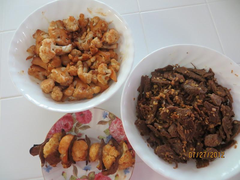 Thịt chay và bông cải trắng xỏ xâu nướng