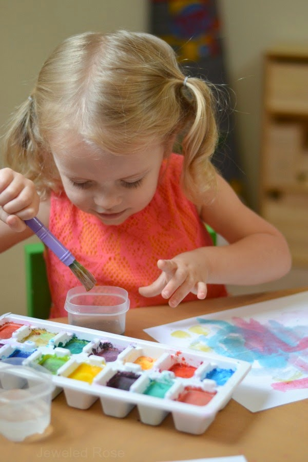 make your own watercolor cakes using only two ingredients that you likely have on hand.  Not only are these watercolors incredibly easy to make, but they also FIZZ.