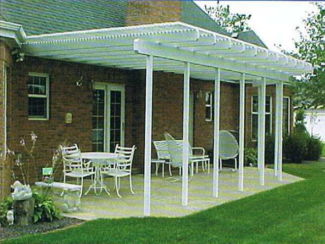 Backyard patio ideas for Small patio shade ideas