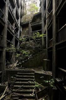 "Pulau ""Hantu"" Hashima, Jepang"