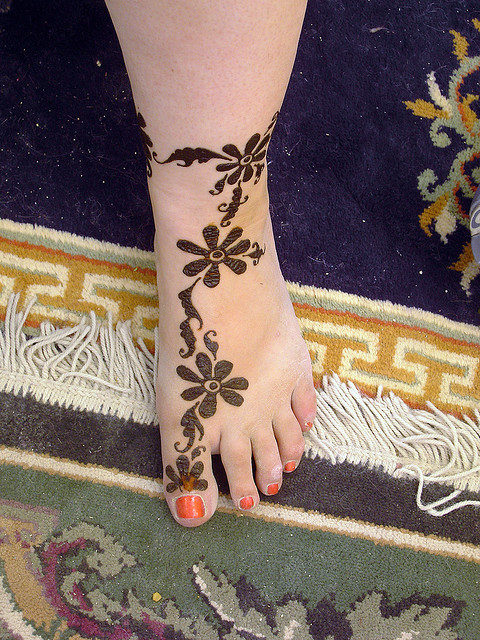 Mehndi Simple Designs For Foot : Simple mehndi designs for feet joannerendell