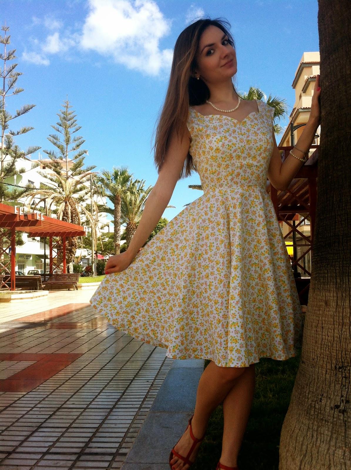 Вырез сердце на платье выкройка