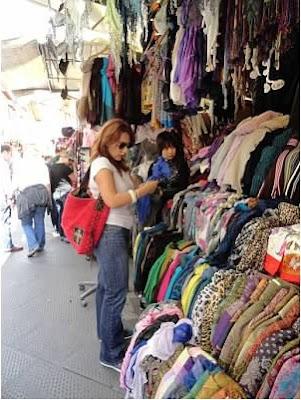 San-Lorenzo-Market-Florence-Italy