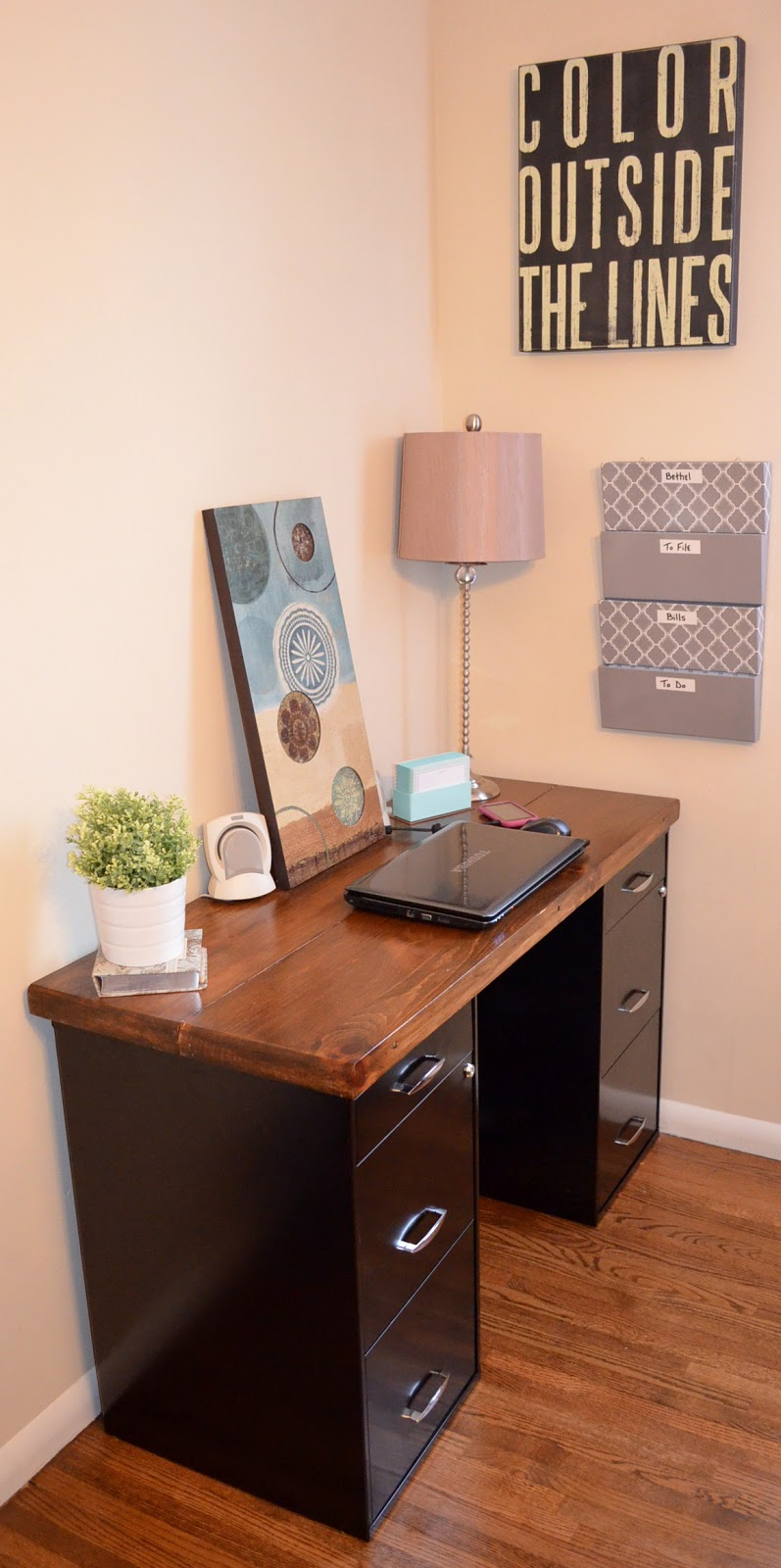 An inviting home a diy desk Diy work desk