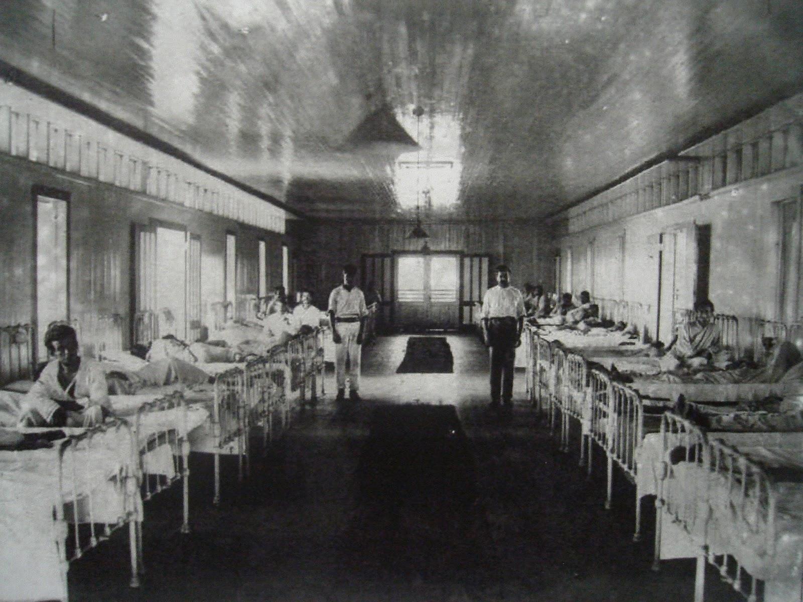 Leitos Interior+de+uma+enfermaria+do+Complexo+Hospitalar+da+Candel%C3%A1ria+(1909-1910)
