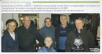 """Bestuursleden van """"Verenigd Beerzel"""" feliciteren hun oudste lid Ernest De Preter van de duivensport n.a.v. zijn honderdste verjaardag"""
