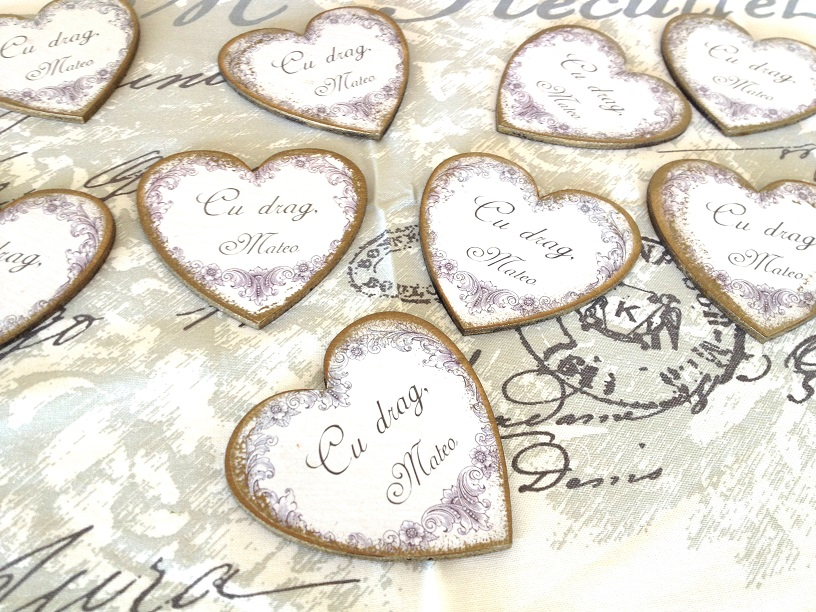http://le-cose-animate.blogspot.ro/2014/04/marturii-personalizate-vintage-heart.html