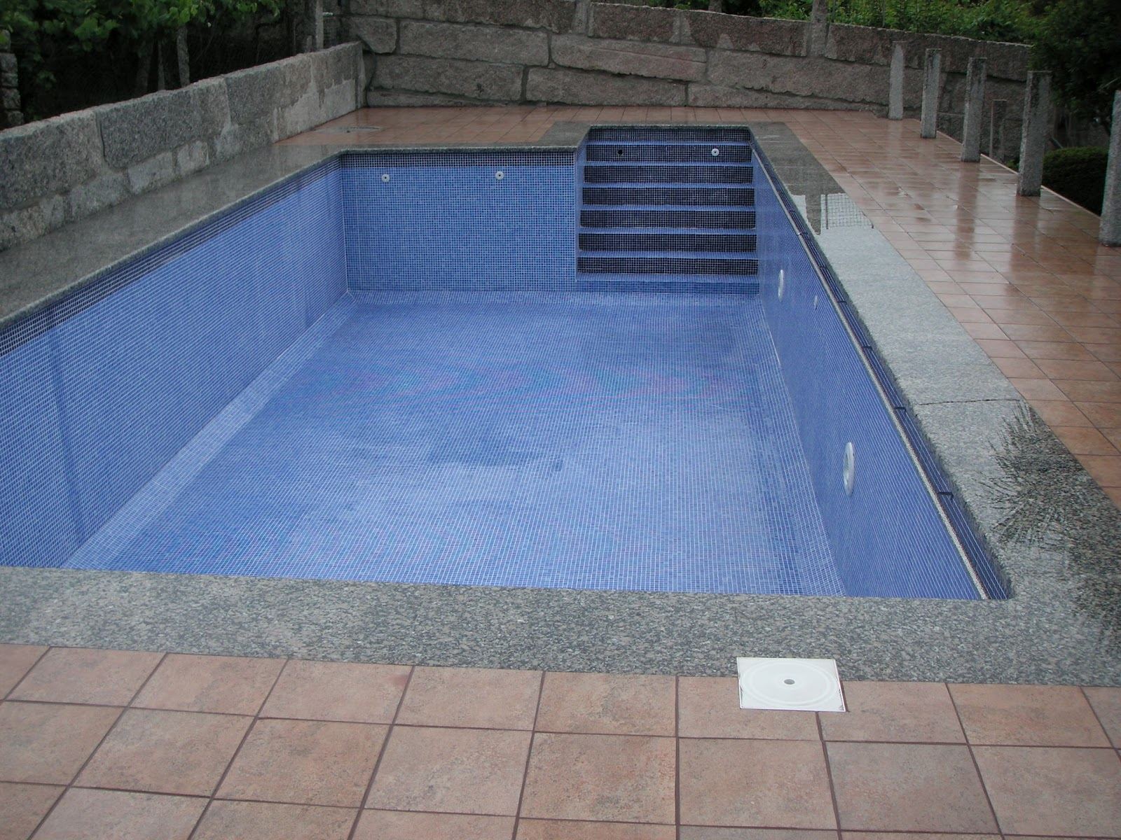 Construcciones pablo p rez alonso s l piscinas - Escaleras de piscinas baratas ...