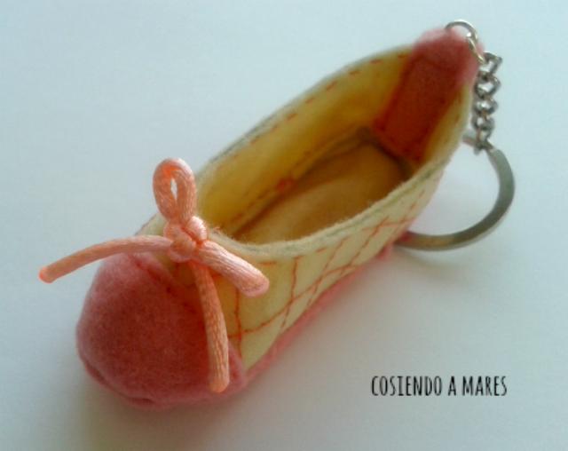Zapato Mini De Tacon Para Decorar En Un Arbol