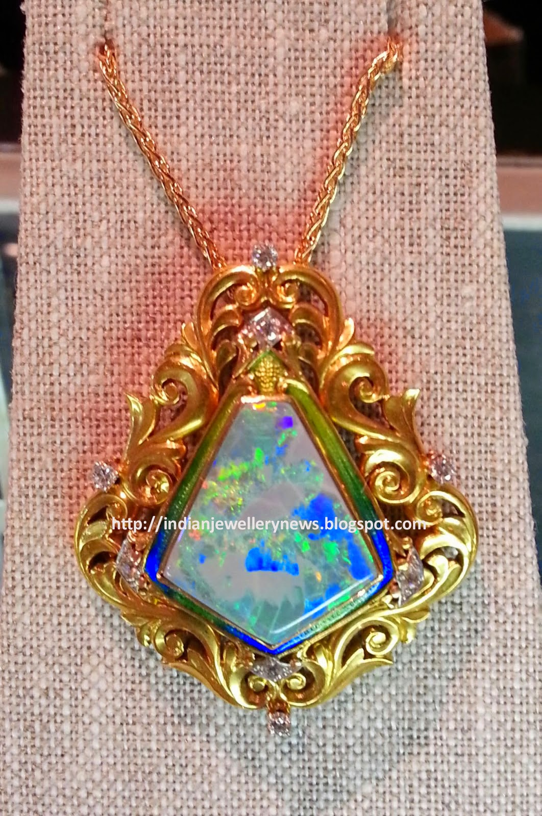 vintage jewelry articles