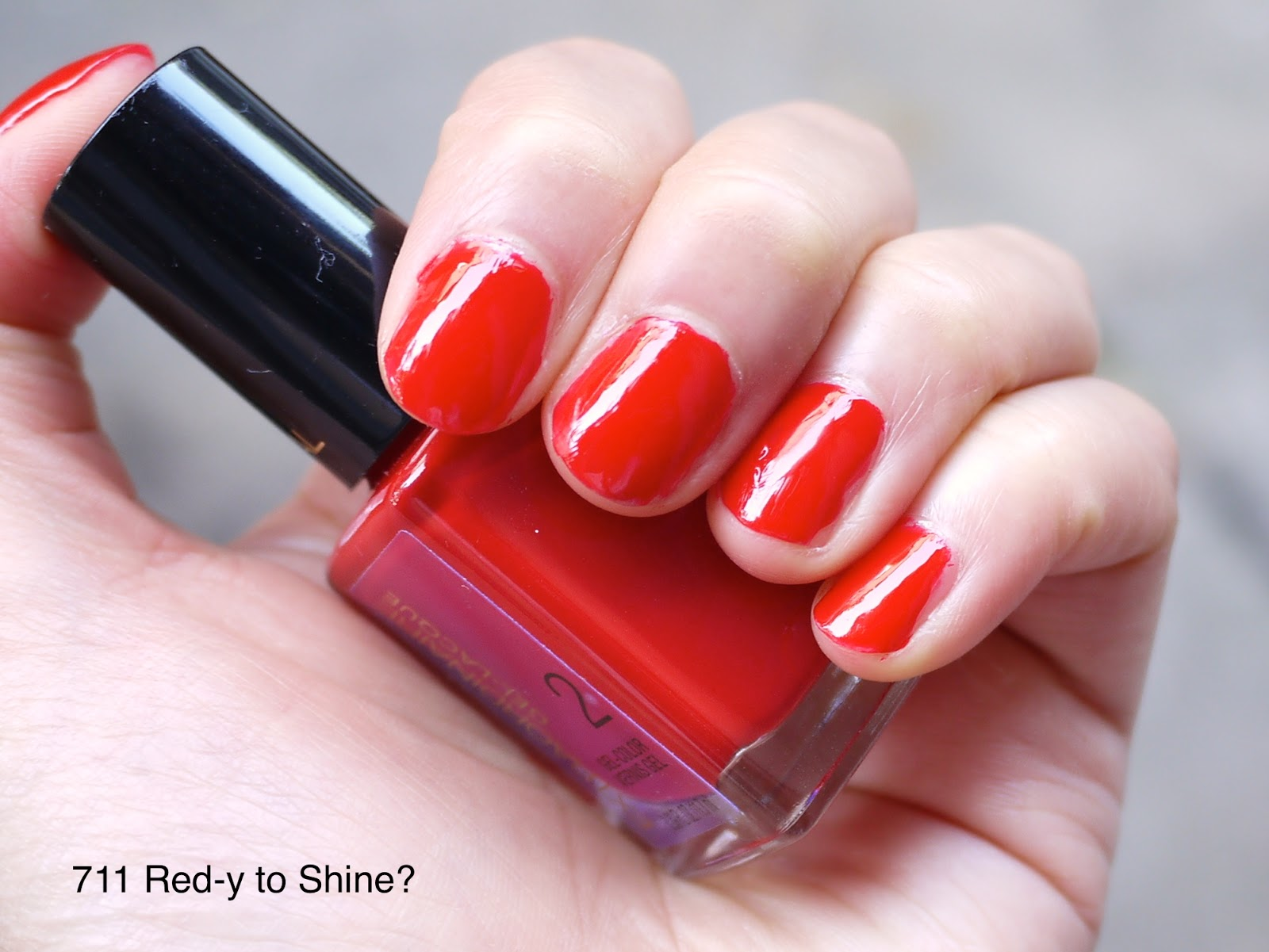 l'oreal extraordinaire gel-lacque 711 red-y to shine? nail swatch