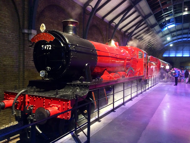 The Making of Harry Potter - Hogwarts Express