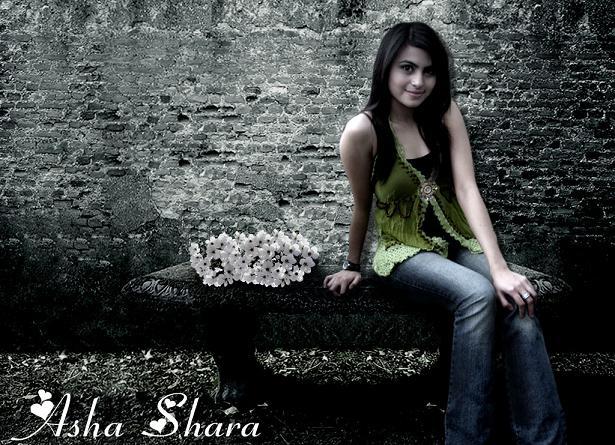 FOTO ARTIS CANTIK INDONESIA ASHA SHARA