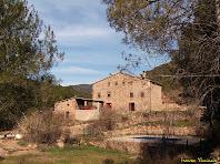 """Cal Cabreta vista des del migdia. Autor: Francesc """"Caminaire"""""""