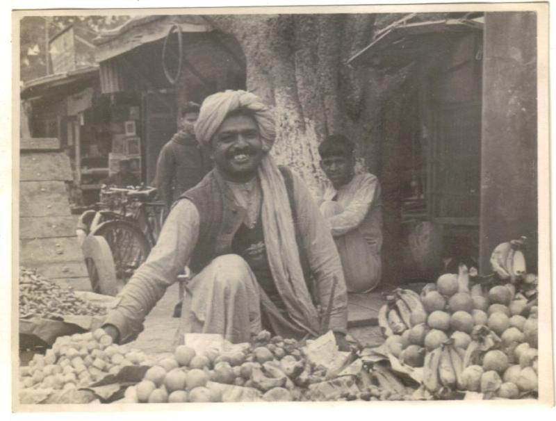 Ambala India  city photo : Fruit Seller of Sadar Bazaar Ambala India 1945 Old Indian Photos