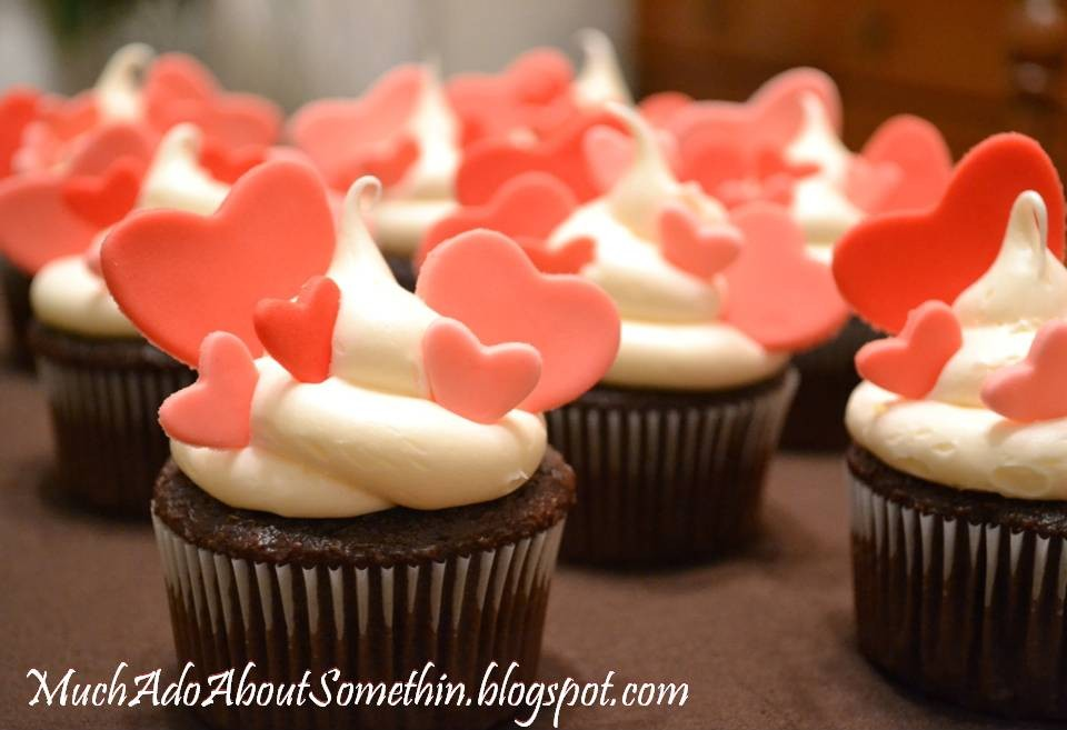 Cake Decorating How To: Valentineu0027s Cupcakes