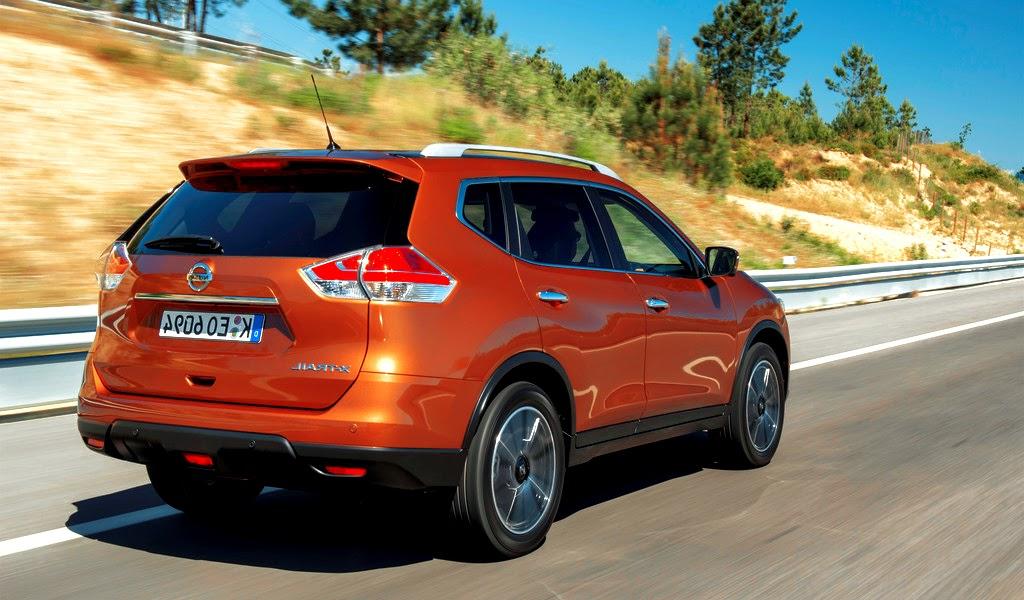 2014 Nissan X-Trail Rear Wallpaper
