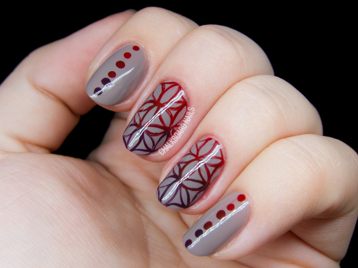 Flower of Life sacred geometry nail art by @chalkboardnails