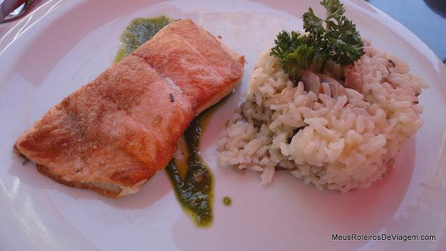 Salmón Premium y Pesto de Rucula no Le Fournil