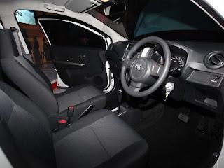interior mobil murah Toyota Agya