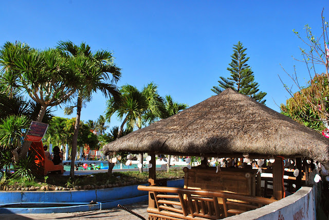 Swimming pool in Villa del Prado beach resort