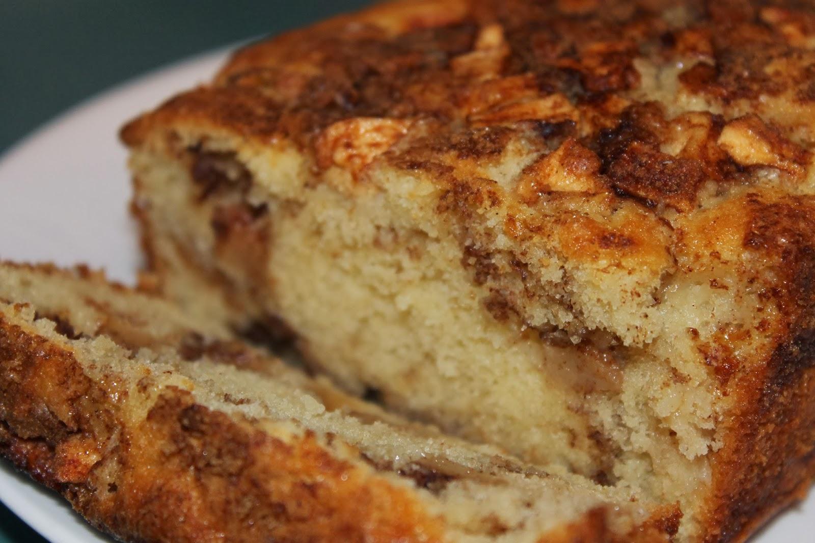 Kelly Craves...: Apple Cinnamon Bread