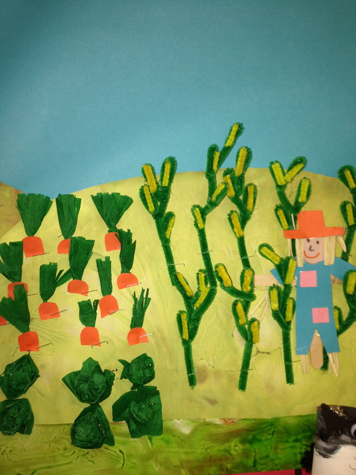 Art craft ideas and bulletin boards for elementary schools vegetable - Vegetable Garden Made With Pipe Cleaners And Tissue Paper