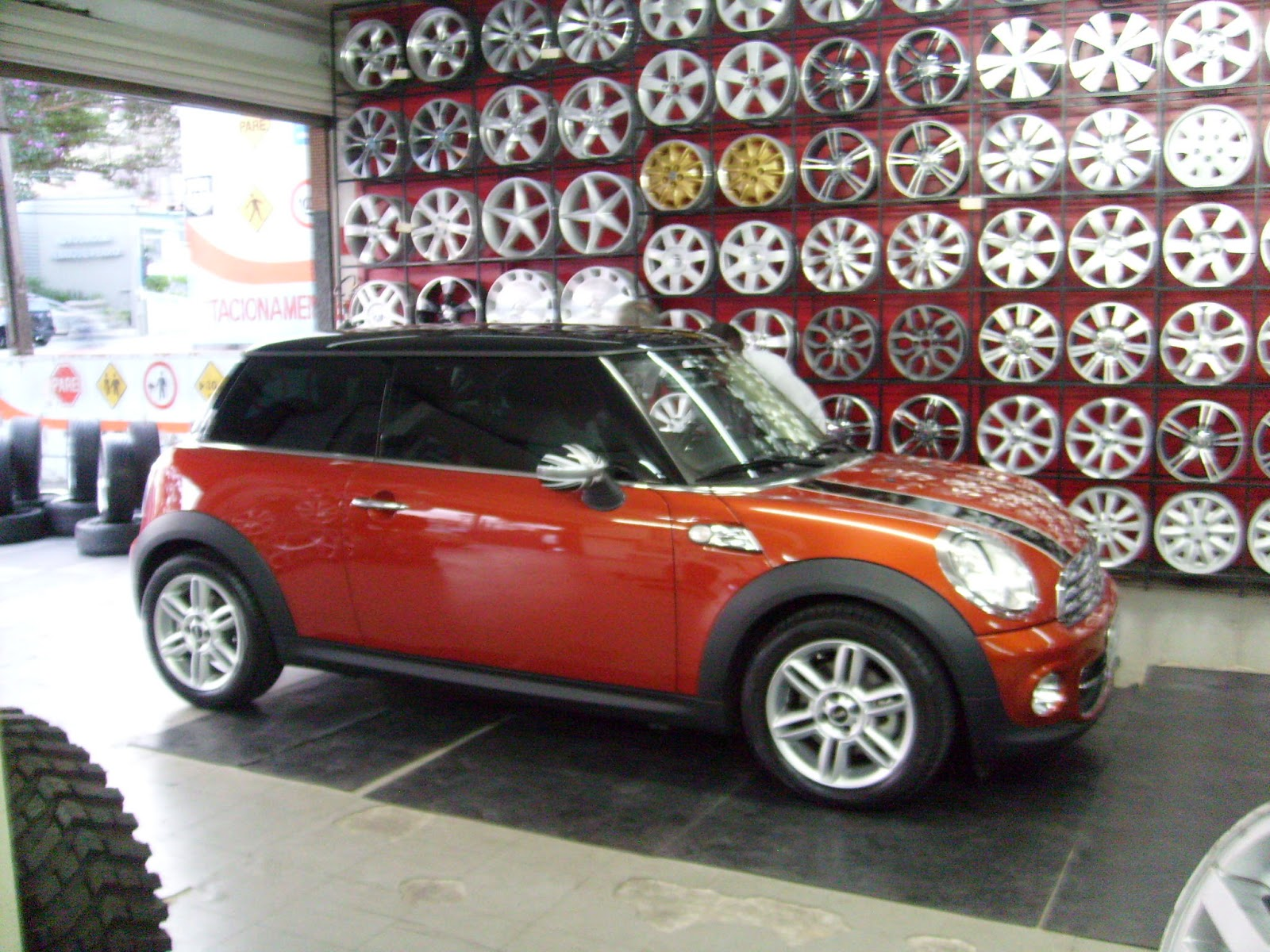 lc3 pneus e rodas mini cooper. Black Bedroom Furniture Sets. Home Design Ideas