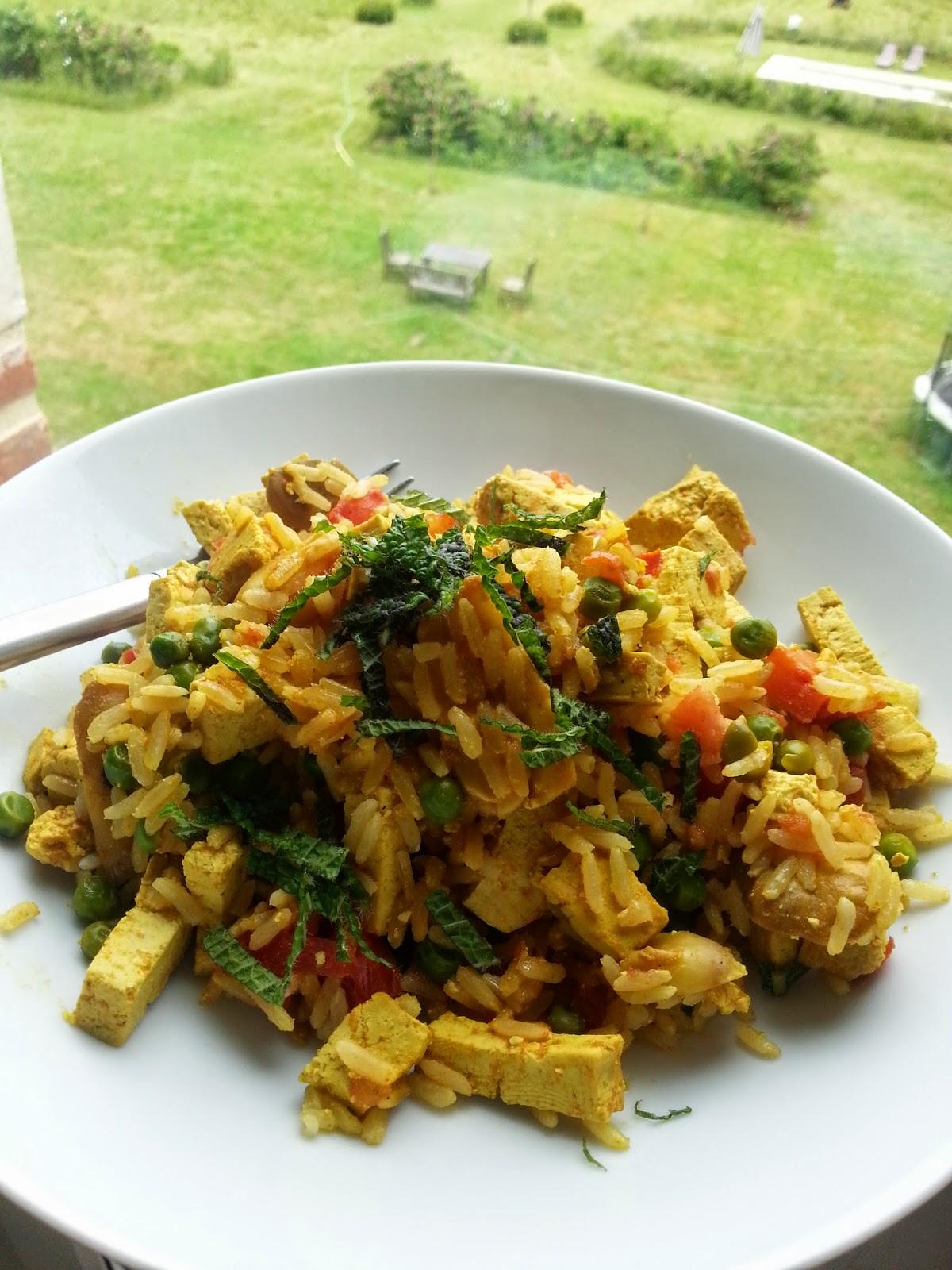 Rijst met groenten en tofu
