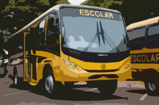 Universitários poderão ser transportados por ônibus do programa Caminho da Escola