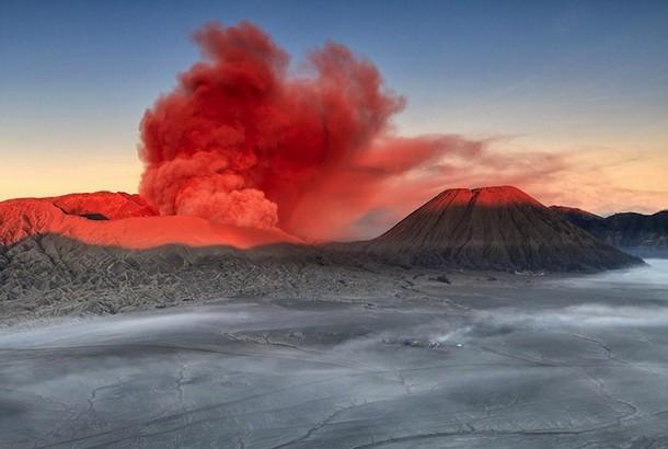 Spectacular Volcanic Smoke