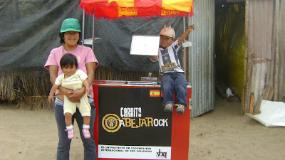 Uno de los  carritos polleros entregados por el sornabique solidario en Perú