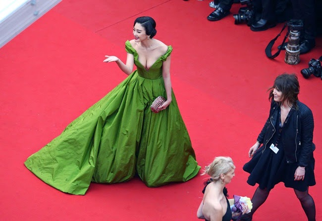 Ulyana Sergeenko Couture 2013 SS Pea-Green off-the-Shoulder Gown with Deep V Neckline