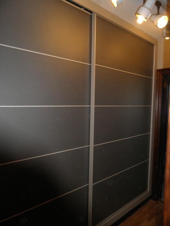 Frente armario empotrado muebles cansado zaragoza - Dormitorios blanco y negro ...