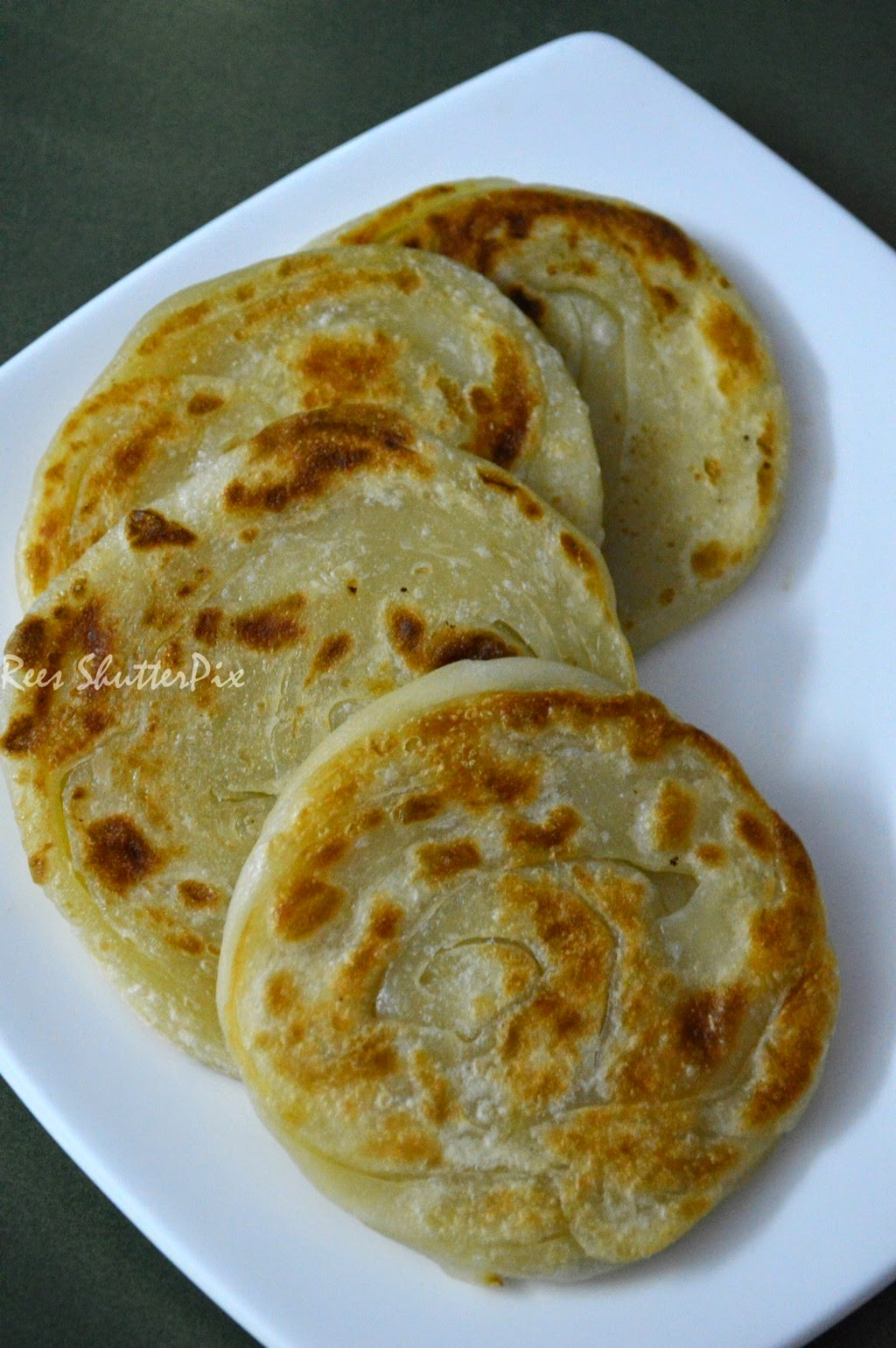 paratha,tamil nadu kerala style, tamil recipe parotta, roadside, easy picture recipe, homemade parotta, veg salna in tamil, easy step by step picture to make parotta at homeparatha,tamil nadu kerala style, tamil recipe parotta, roadside, easy picture recipe, homemade parotta, veg salna in tamil, easy step by step picture to make parotta at home