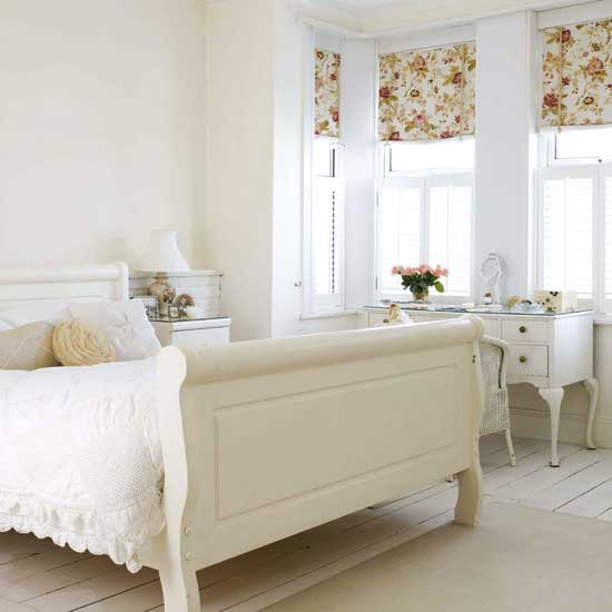 Latest designs trims in white bedrooms room design for Bedroom designs white